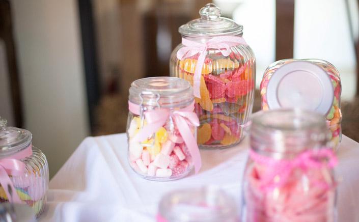 Candybar. DIY-Hochzeit mit Boho-Elementen. Wie aus Eigenheiten etwas Besonderes wird. Neu im Papier Direkt Blog unter blog.papierdirekt.de copyright: Thomas Epping