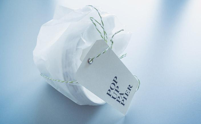 """Papierdirekt Blog. WASARA – zarte Teller, fein geschwungene Schälchen, Servierplatten und Becher aus Papier, die den Begriff """"Einweg"""" mit Eleganz in Verbindung bringen."""