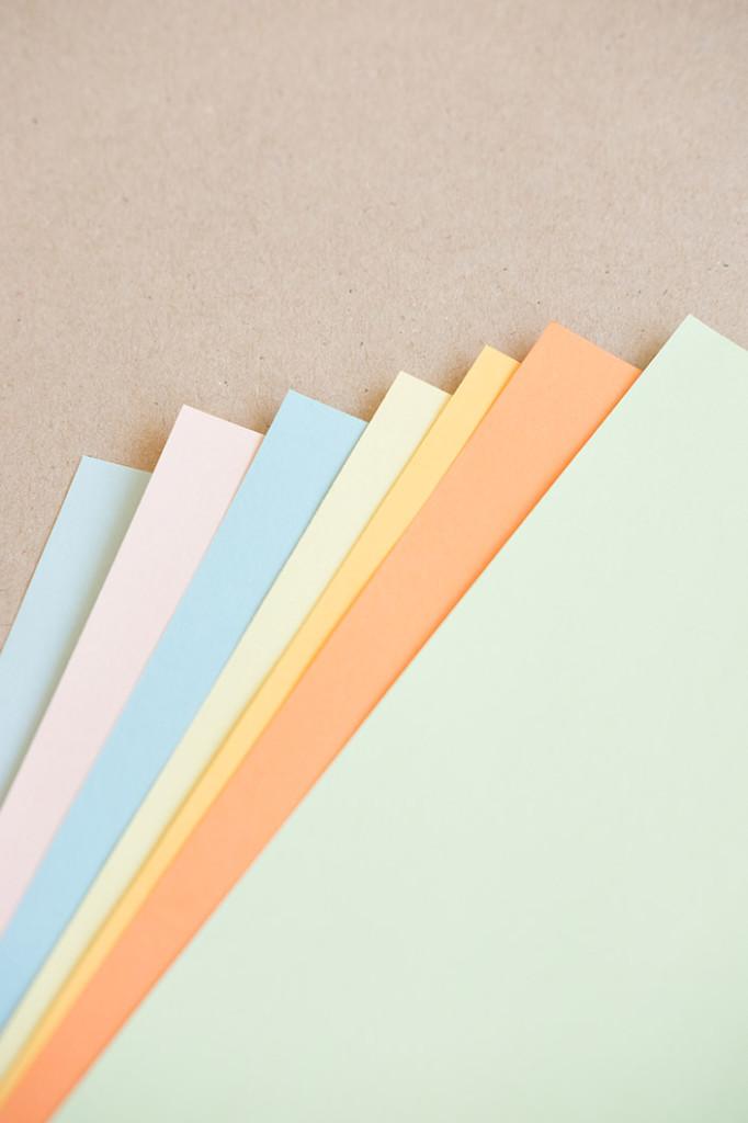 Heute stellen wir im Papier Direkt Blog die Papiersorte Trophée Pastell von Clairefontaine vor. Ein tolles Druckpapier in sanften Farben und mit vielen Kombinationsmöglichkeiten. Trophée Pastell auf Muskat Kraftpapier. Jetzt auf blog.papierdirekt.de