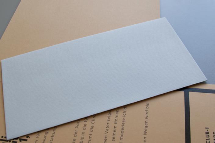 Conqueror gerippt DIN lang Umschlag mit Color Trophée Camel als Mailing