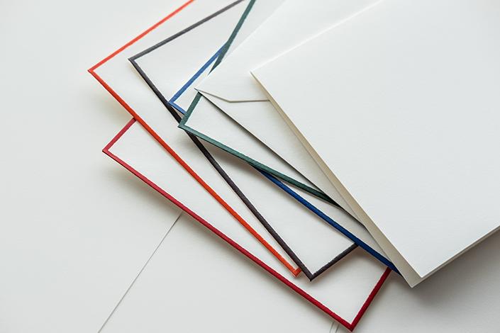 Auf blog.papierdirekt.de stellen wir Ihnen die 5 Edelpost Karten mit der tollen Haptik vor und zeigen Ihnen, welche Kombinationen mit anderen Papieren uns besonders gut gefallen.