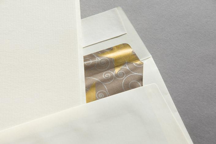 Papierdirekt-Weihnachten-cremegoldfutter