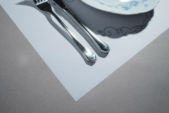 Papiermeister Einmal-Tischsets aus Transparentpapier erhalten Sie in rot, blau und orange und zwei bedruckten Motiven. Hier im Papier Direkt Blog stellen wir sie vor.