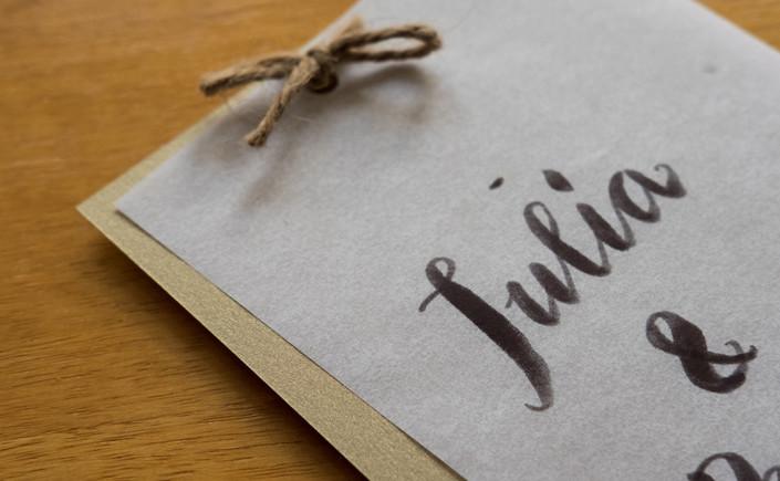Lucida Transparent steht 2017 im Zeichen der Veränderung: Mit neuem Namen entfaltet die Papiersorte im Spiel aus Licht und Transparenz seine volle Wirkung. Wir stellen dei Sorte im Papier Direkt Blog vor.