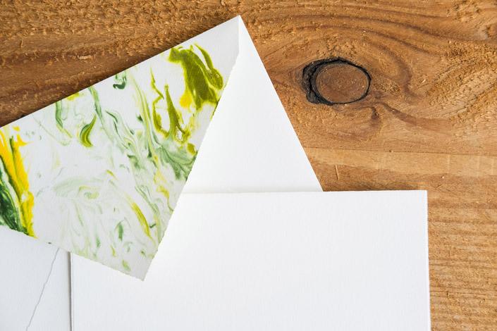 DIY-Papier-marmorieren-Papierdirekt-8170