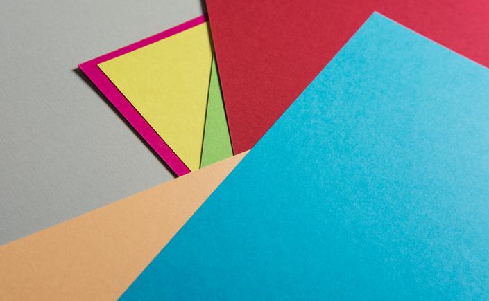 Einer der Stars der Farbpapiere ist unsere Papiersorte Hot Colors. Wir zeigen Kombinationsmöglichkeiten und Details zu diesem farbenfrohen Papiersortiment.