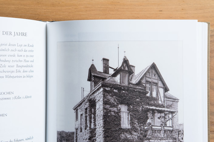 Pergament dtp ist ein Teil der Sanierungs-Dokumentation einer Wiesbadener Villa von 1902. Ein Gespräch mit Rudolf Zehren über diese besondere Arbeit.