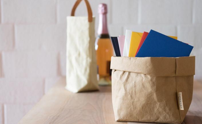 Waschbares Papier klingt paradox. Uashmama nutzt für seine Produkte Papier auf überraschende Weise. Wir stellen die Idee und das Material dahinter vor.