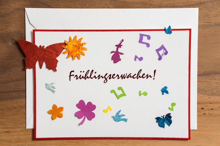 Unter dem Namen Papierwandler zaubert Verena Hinze handgemachte Papierpoesie, die glücklich macht. Wir stellen die Essenerin im Kundeninterview vor.