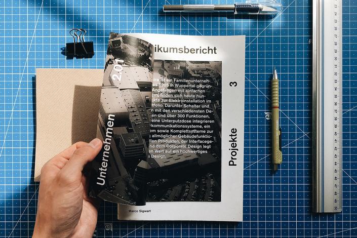 Marco Sigwart hat aus unterschiedlichen Papieren einen harmonischen Praktikumsbericht gestaltet. Im Interview stellen wir Ihnen Marco und seine Arbeit vor.
