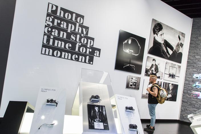 Am 26. September ist endlich wieder photokina. Wir zeigen Impressionen aus 2016 und geben einen Ausblick auf die Inhalte und Events der photokina 2018.