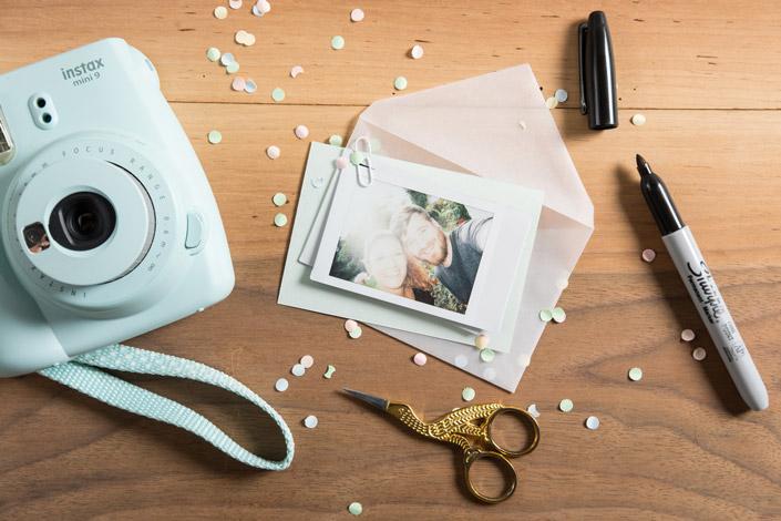 Kennen Sie schon unsere neuen Transparenthüllen DIN C7? Ein pfiffiges Hüllenformat für allerlei Kleinigkeiten rund um die transparente Hochzeitspapeterie.