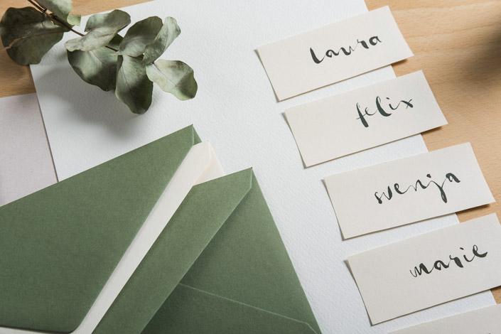 Feiern Sie mit uns Hochzeit, denn wir zeigen Ihnen heute die natürliche Hochzeitspapeterie, einen unserer sieben trendigen Hochzeitsstile.