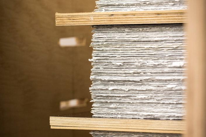 Matthias Schwethelm stellt Ihnen die Papieroffizin heute in einem Gastbeitrag vor und zeigt Ihnen den Zauber, den ein handgeschöpftes Papier innehat.