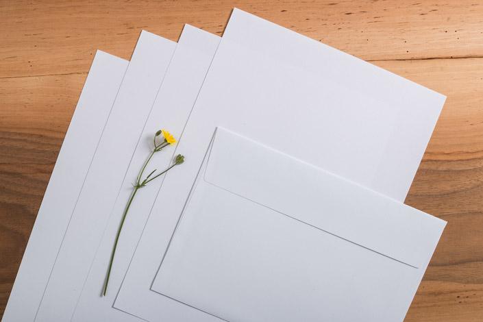 """Wie gestalte ich umweltfreundlich? Das beantworten wir in unserer Serie """"Papiere für nachhaltige Gestaltung"""" und starten mit dem Recyclingpapier Jupp!"""