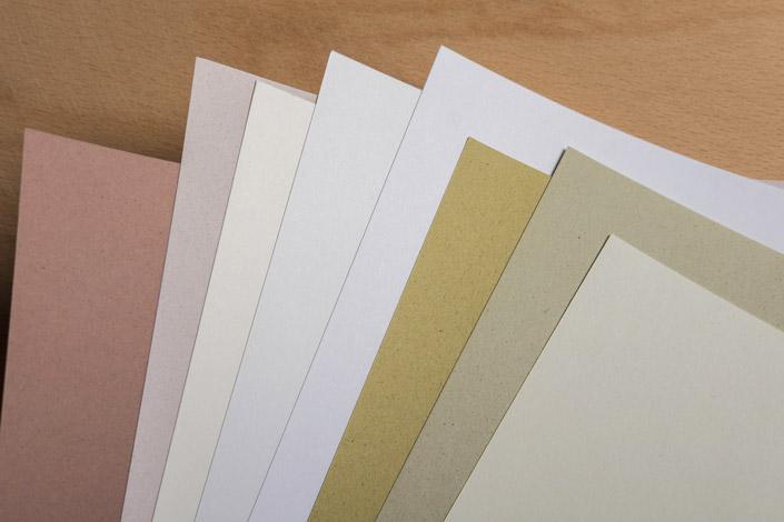 Eine umweltverträgliche Produktion zeichnet das Designpapier Munken aus. Im Artikel 7 Nachhaltige Papiere stellen wir Euch das skandinavische Papier vor.