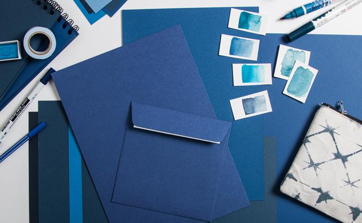 Heute gibt es Classic Blue Inspiration aus der Instagram Paperlover Community und die passenden Papiere für die Ästhetik dieser Projekte. Los geht's!