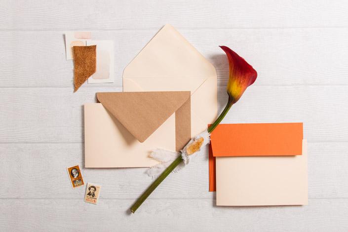 Klappkarten Vanilla mit Kraftpapier und Colorplan Rost als Papeterie Inspiration