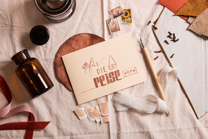 Klappkarte Vanilla mit Illustration aus selbst gemachter Avocadotinte