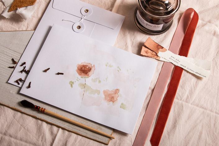 Bindfadenumschlag mit Aquarellmalerei aus selbst gemachter Avocado Tinte