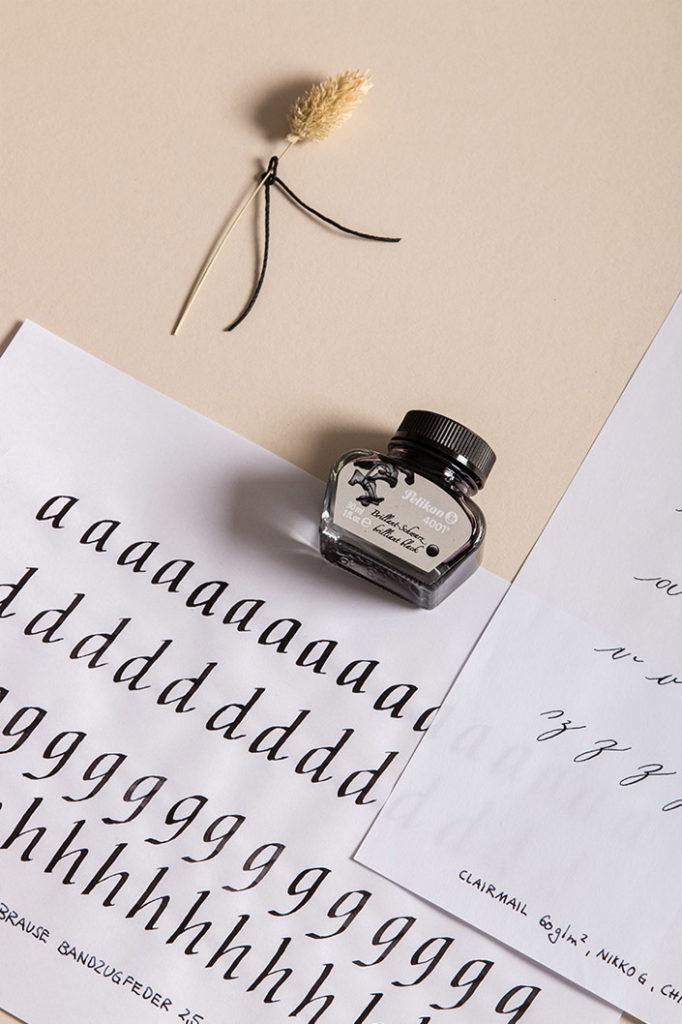 Kalligrafieübungen Italic Hand auf dem Papier Clairmail 60 g/m²
