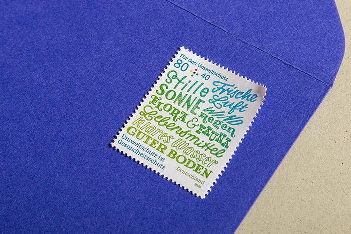 Nahaufnahme der Umweltschutz Briefmarke von Chris Campe