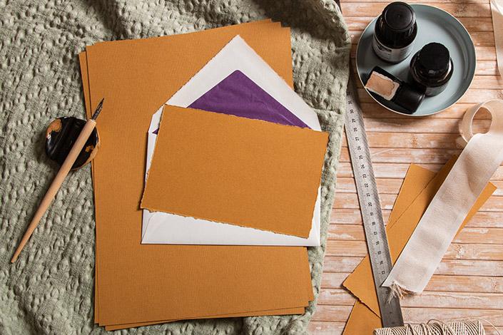 Strukturpapier Nettuno Zimt mit Büttenkuverts