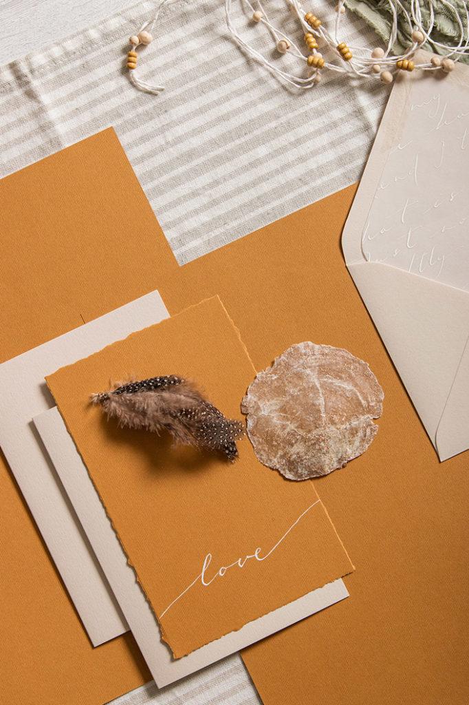 Boho Hochzeitspapeterie mit Strukturpapier