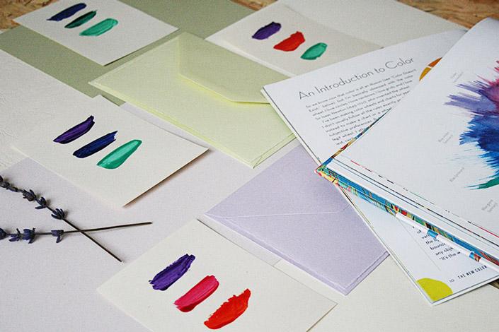 Farbtests auf Papier sind die Vorbereitung um Papier selbst zu marmorieren