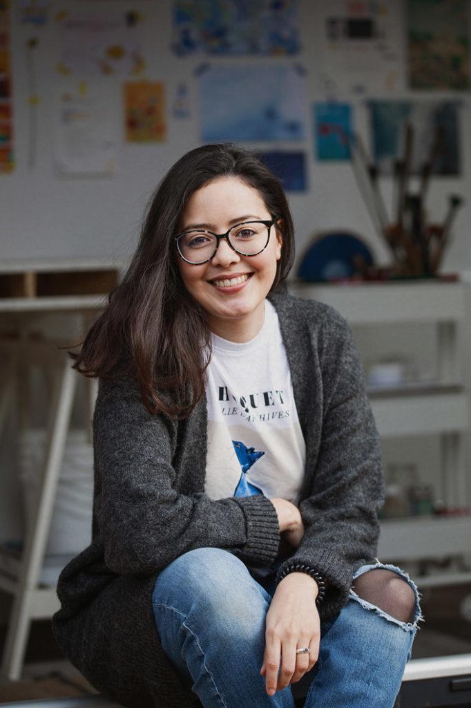 Portrait der Künstlerin Karen Fernandez Ruiz von Indigo Craftroom