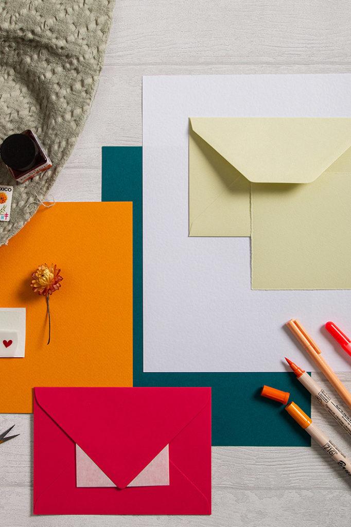 Green Tea Büttenkarten und Büttenumschläge in einem farbenfrohen Papiermix zur Colorpalette Cappadocia