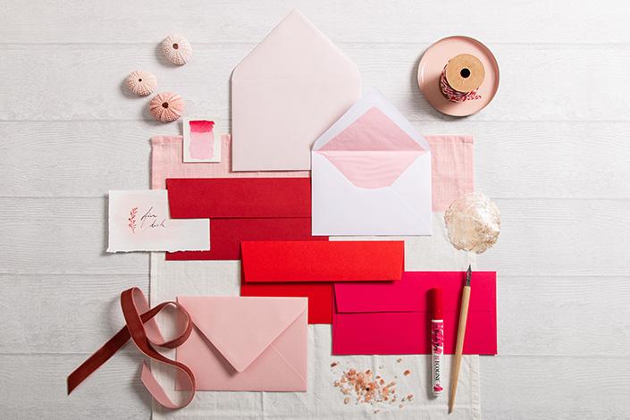 Farbpalette mit Colorplan Vermillion für Papeterie zum Valentinstag
