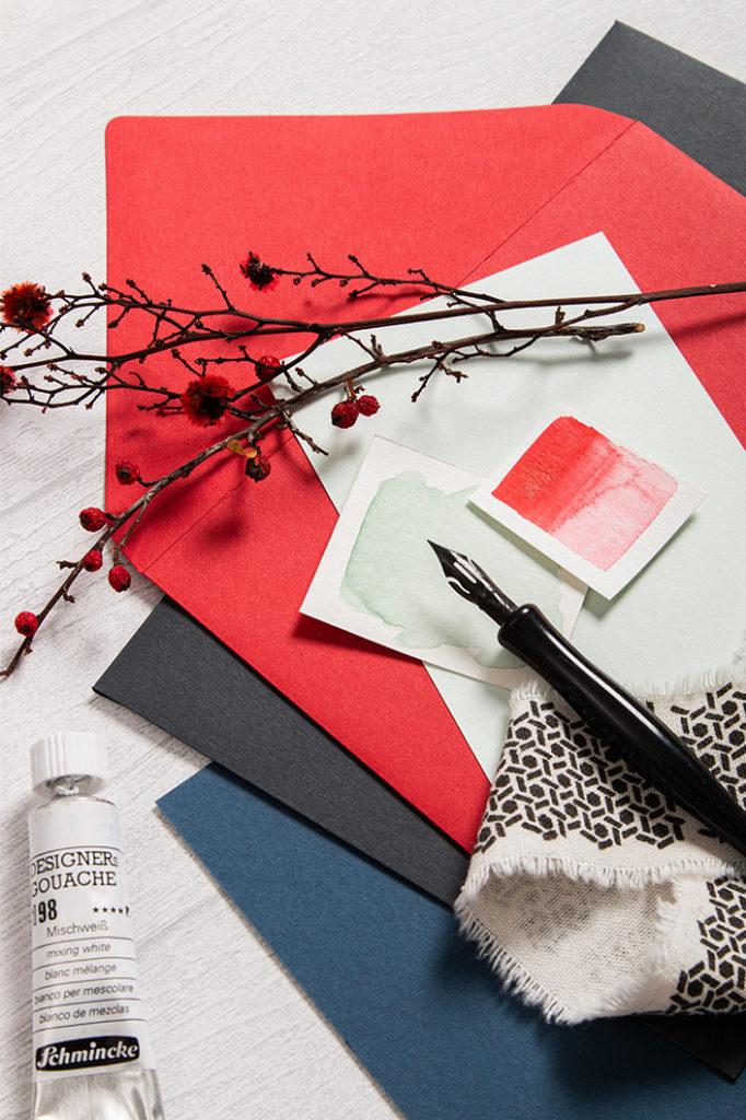 Winterliche Farbpalette mit Colorplan Papier in den Farben Vermillion, Cobalt, Slate und Bright Red