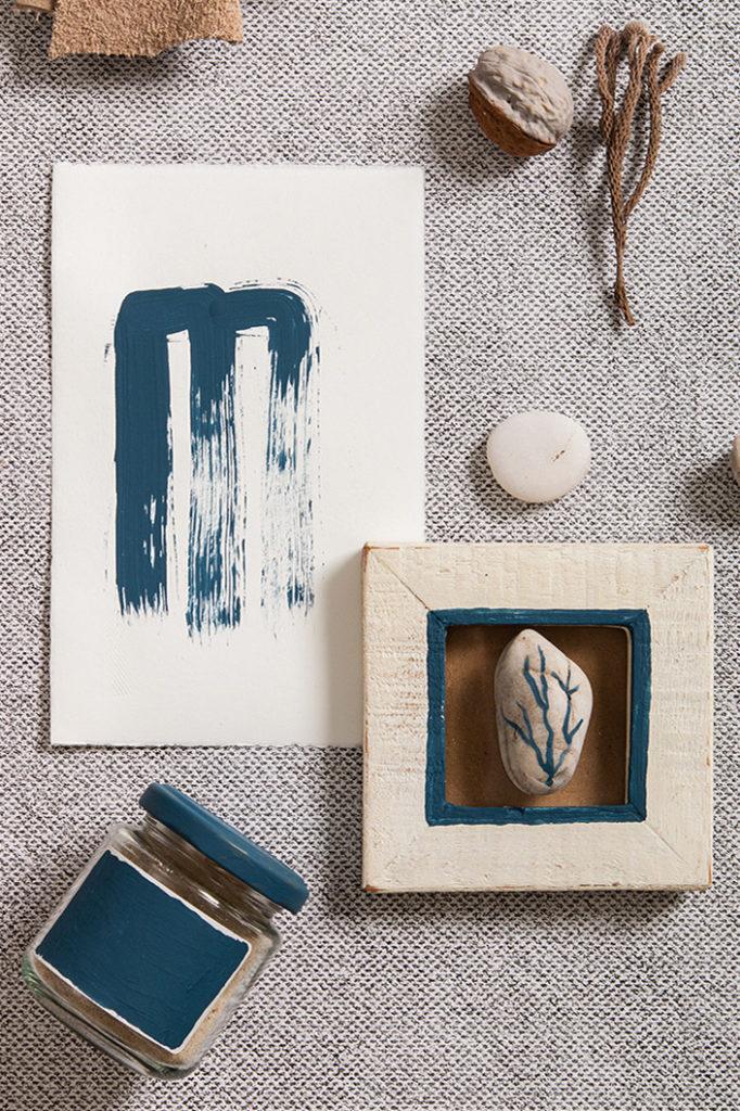 Büttenkarte mit ozeanblauer Farbe handbemalt