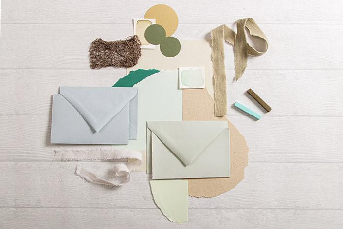 Farbtrend 2021 - analoge Farbpalette aus verschiedenen Papieren