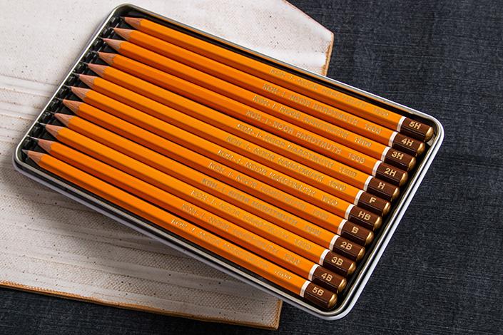 Bleistifte mit verschiedenen Härtegraden der Marke Koh-i-Noor Hardtmuth