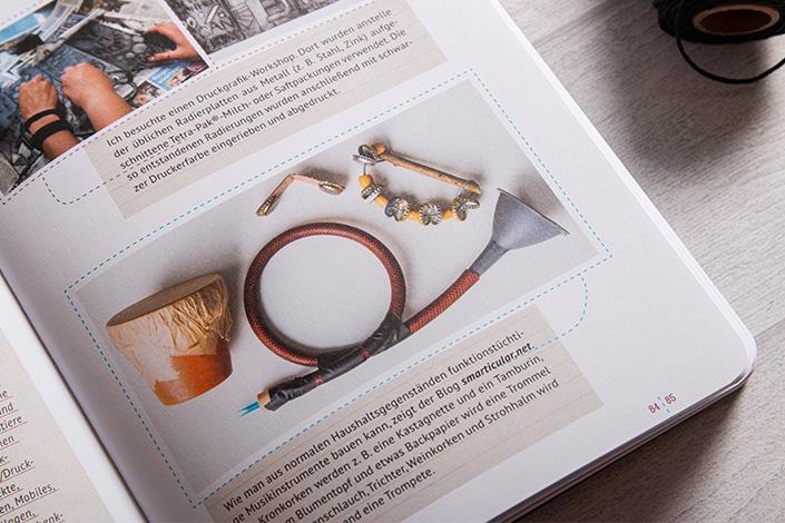 Detail einer Sachbuchseite. Ungewöhnliche Materialien werden auf kreative Art zu Instrumenten umgebaut.