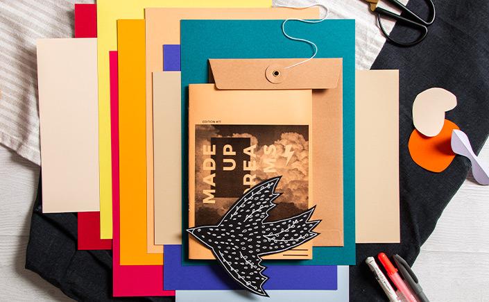 Farbauswahl der Papiersorte Hot Colors mit Dekoelementen