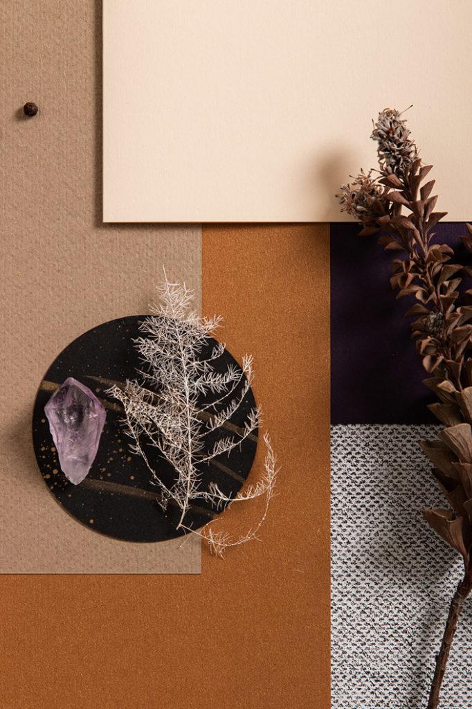 Winterliches Zusammentreffen zarter Vanilla Klappkarte und kontrastvollem Papier